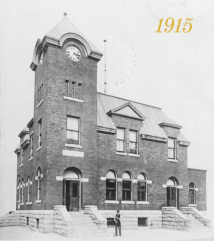 Harriston post office 1915